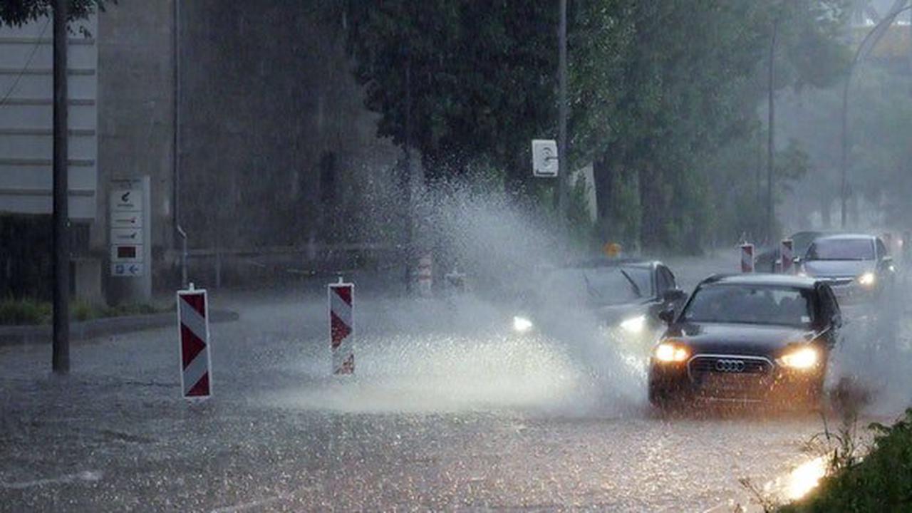 Wetter immer schlimmer: Temperatursturz und Regenfluten! Ein Kälte-Loch macht den August zum Grusel-Monat