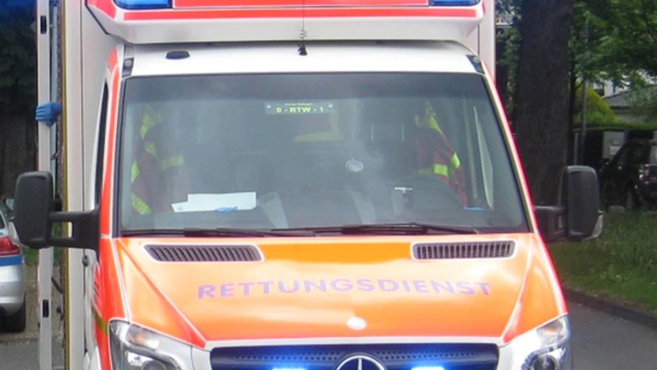 POL-ME: Drei verletzte Personen bei Verkehrsunfall - Ratingen- 2108001