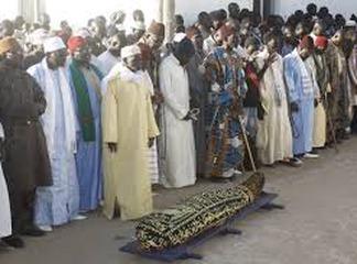 Prise pour morte, une femme musulmane se réveille dans sa tombe