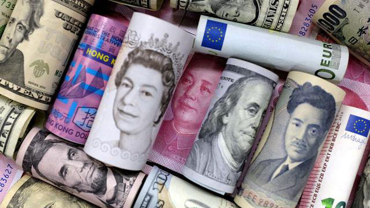 Yen, Swiss franc stand tall as risk aversion pummels Aussie, kiwi