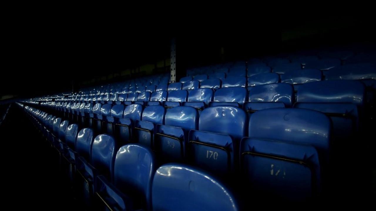 Everton: Fans flock to Denzel Dumfries update