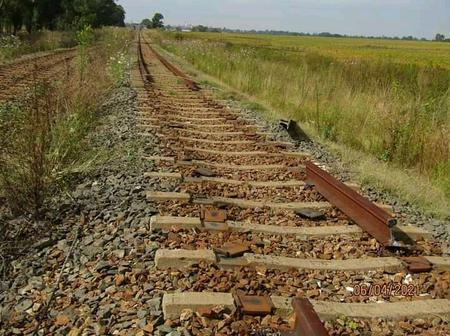Train Tracks Stolen Between Brakpan And Springs. Mzansi Blames Foreigners. See Why.