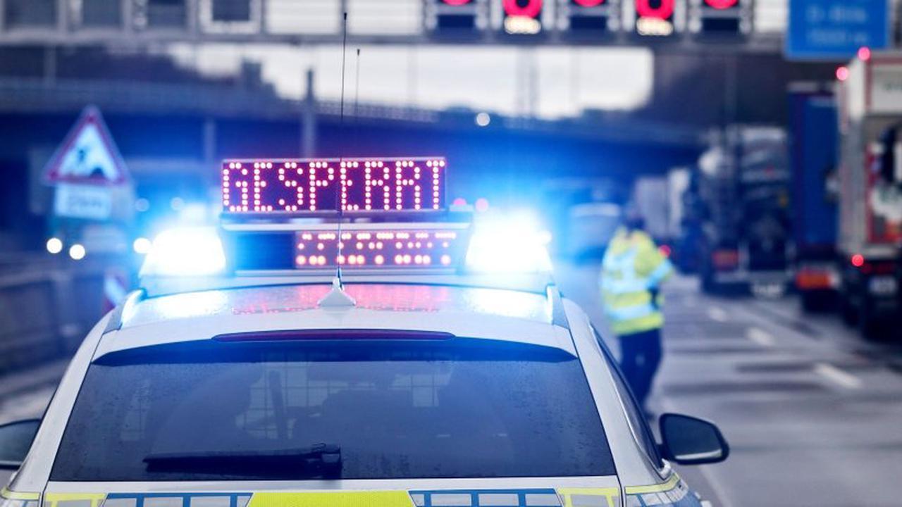 Gundelfingen: Kaputtes Fahrzeug auf B 3 zwischen Autobahnzubringer Freiburg-Nord/B294 und Denzlingen in Richtung Emmendingen