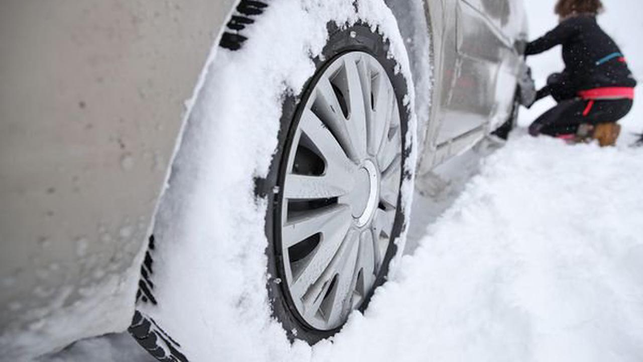 Pneus neige obligatoires : en Auvergne, ce que vous devez savoir