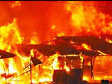 Goods destroyed as fire razes shops in Osogbo