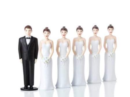 Emmanuel Macron veut chasser les polygames hors du territoire français
