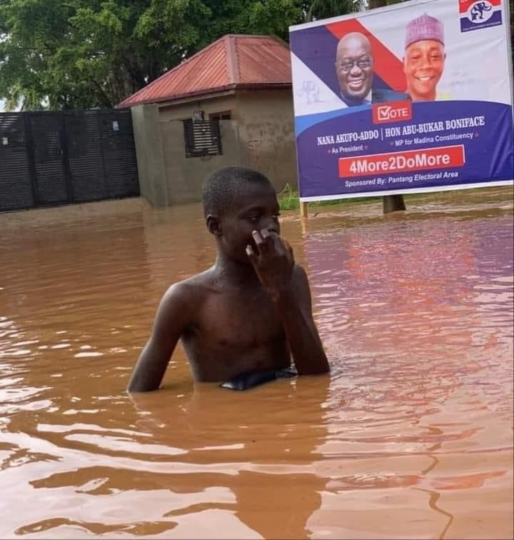 "44a32857b1941003add4a249ea03b5f2?quality=uhq&resize=720 - ""4 More To Swim More"" - Ghanaians React To A Boy Swimming In Flood Water"