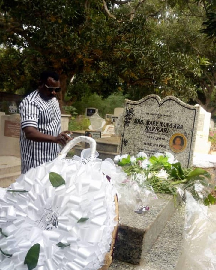 44ea5f6297364cea0c1af6e1ee89826b?quality=uhq&resize=720 - Koo Fori visits her late wife's grave yard to pay his tribute after 10-years of her demise (Photos)
