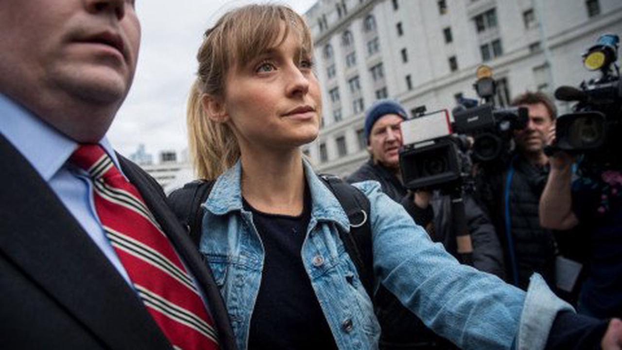 Smallville star Allison Mack begins 3-year jail sentence early after NXIVM case