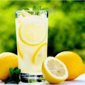 Santé : les bienfaits de l'eau citronnée pour notre organisme
