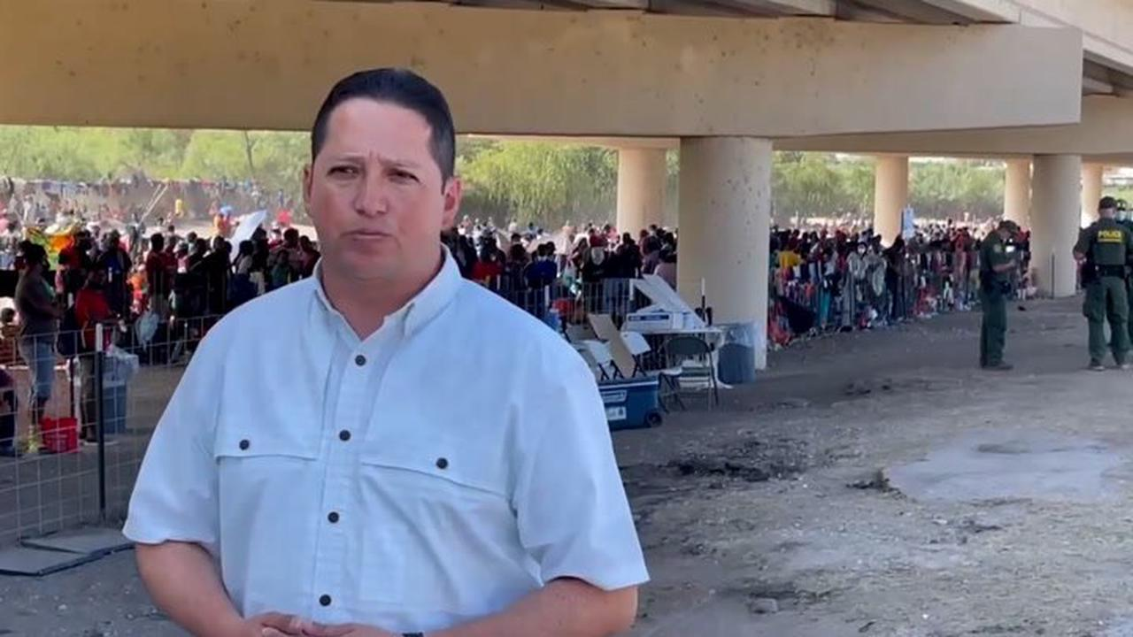 Del Rio border crossing reopens after controversial treatment of encamped Haitians