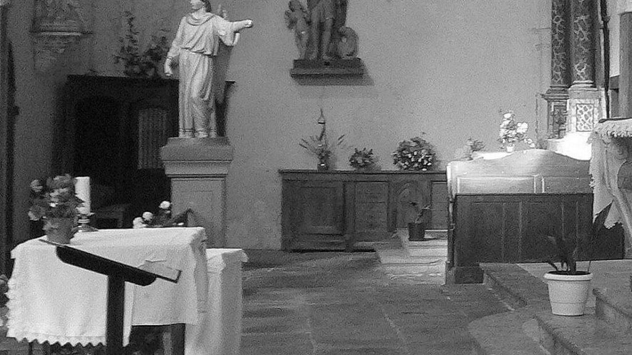 Dans le rétro : le confessionnal et les marguilliers à Saissac