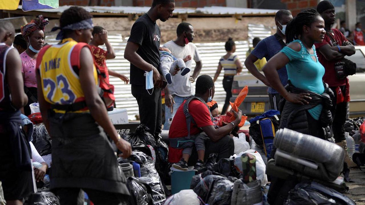 Colombie – Les migrants haïtiens campent aux portes de la jungle du Darien