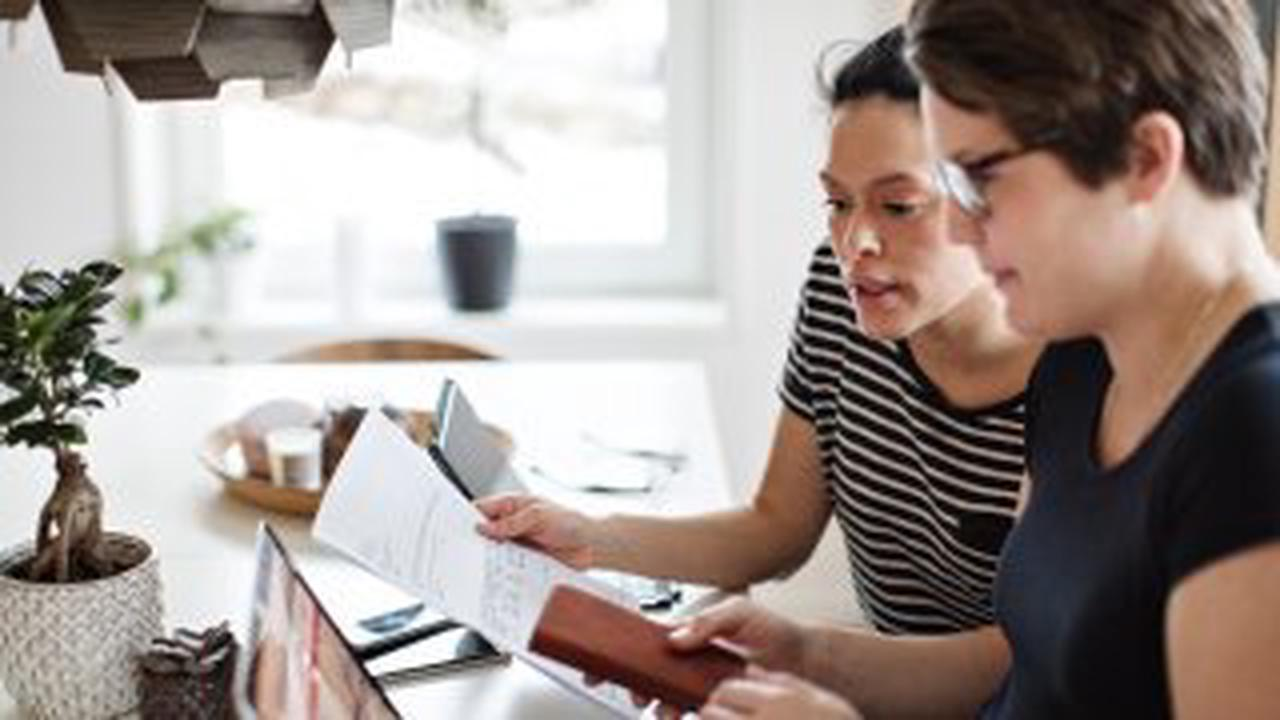 Paying Off Debt, Saving Money and Retirement Planning: How to Prioritize Your Financial Goals