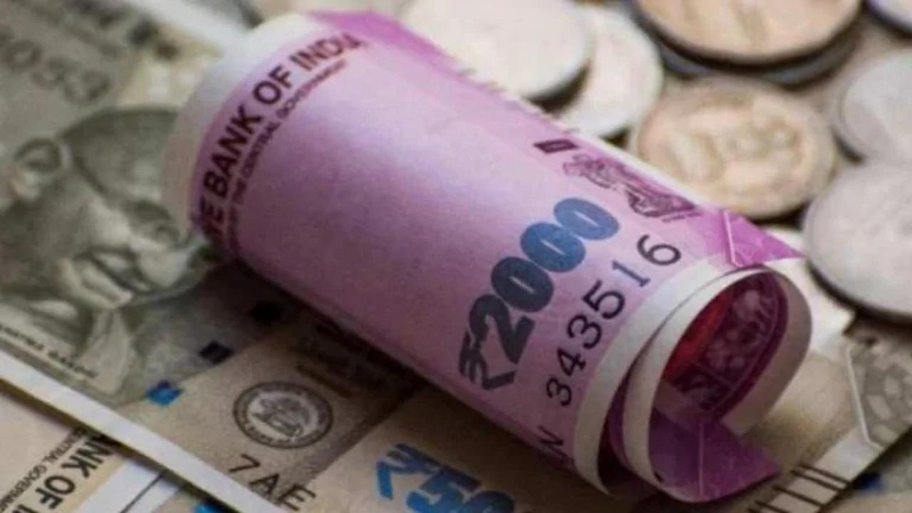 Wrapping 2020 with a subtle depreciation- What's on the cards for the Rupee in 2021?
