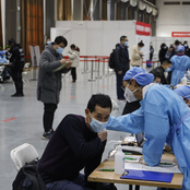 Beijing's major inoculation site vaccinates 2,000 in one day, with no serious adverse effect