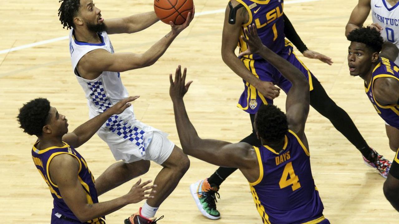 Brooks, Boston help Kentucky beat LSU 82-69, end 3-game skid
