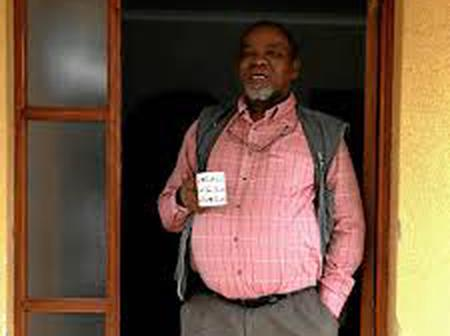 Gwede Mantashe: check out his home in the pictures in the gallery - see home snaps