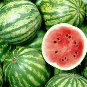 4 علامات خارجية يمكنك أن تميز بها البطيخة الحمراء الحلوة