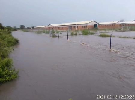 Heavy rains disrupted the opening of schools for the first time in 2021