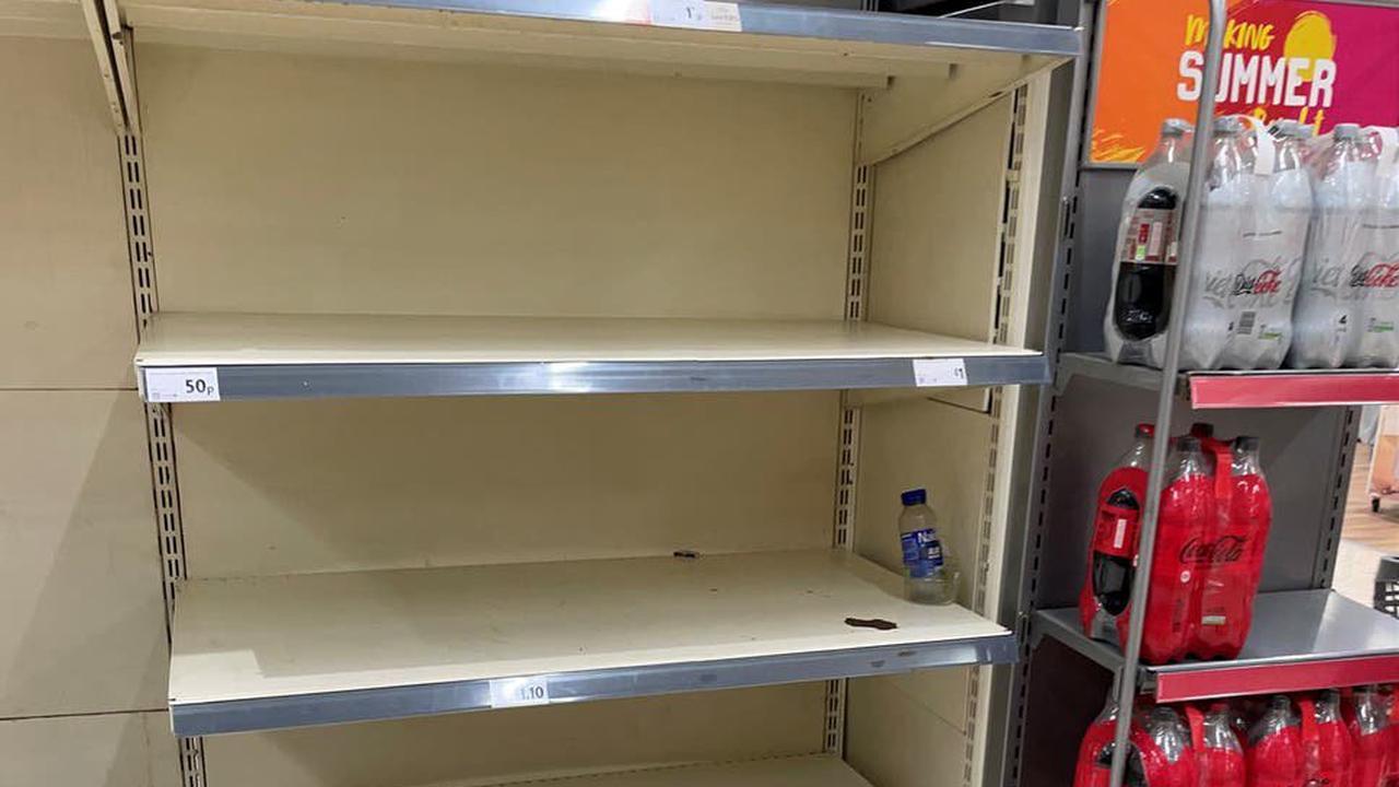 Supermarket sweep: Sainsburys and Lidl share warnings amid pingdemic