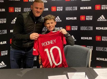 Le fils de Rooney signe un contrat avec Manchester United