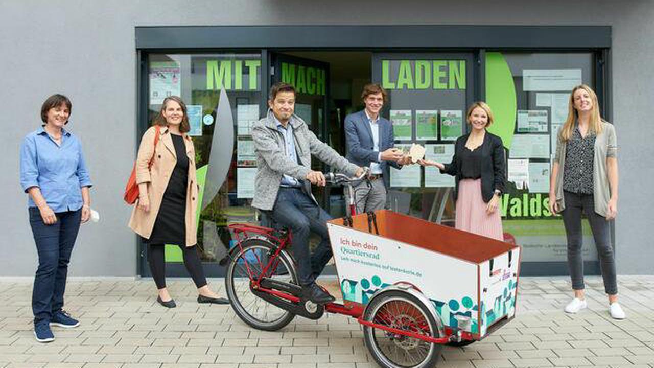Nachhaltig mobil Volkswohnung sponsert Lastenrad für die Waldstadt