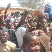 Élections législatives à Facobly : Méambly Evariste offre des kits scolaires à des milliers d'élèves