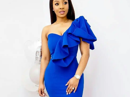 20 Lovely Ladies Blue Dinner Gown For Classy Women