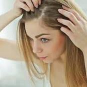 أفضل وصفة لإزالة بيض القمل التي يتكون على فروة الرأس.. «احذروها تتغذى على دم فروة الرأس»