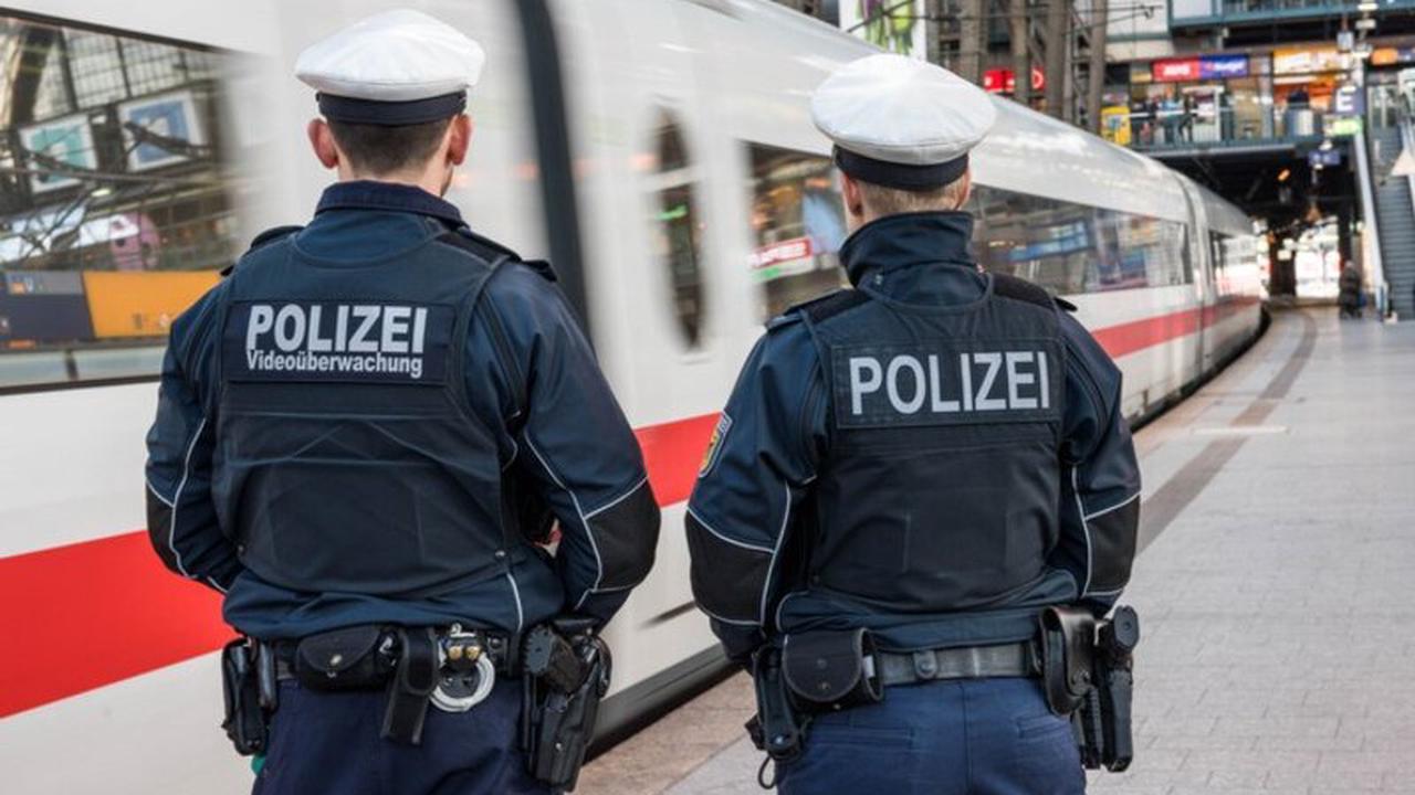 BPOL-HH: 12 Monate Freiheitsstrafe: Selbstgestellung bei der Bundespolizei am Hamburger Hauptbahnhof