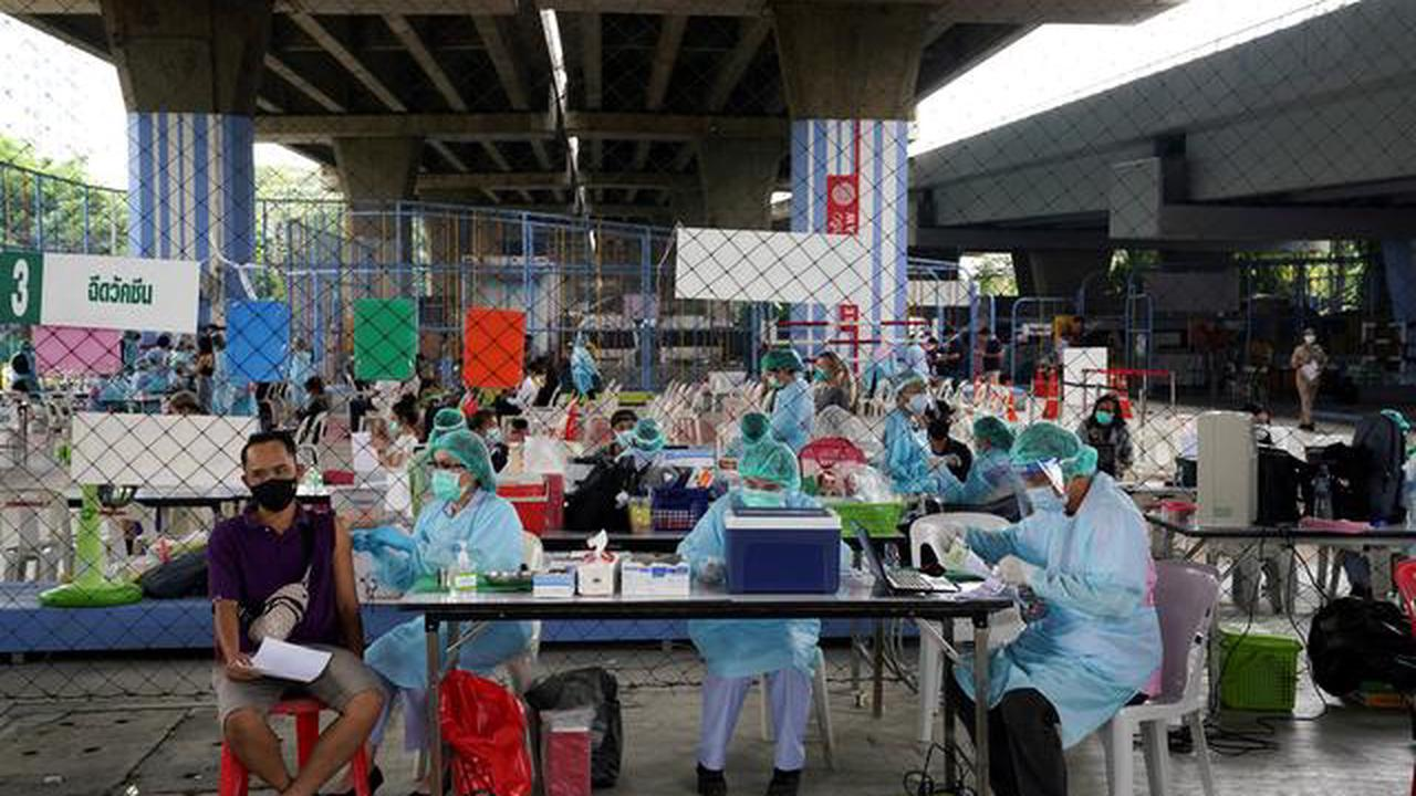 Thailand reports 405 new coronavirus cases, no new deaths