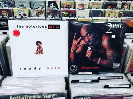 Biggie vs. 2pac: (See inside who sold more records)
