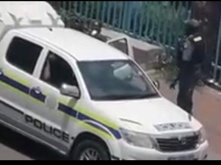 WATCH: Men In Blue Caught Accepting Bribe In Johannesburg [OPINION]