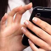 حكم الحديث مع امرأة أجنبية في محادثات التواصل الاجتماعي.