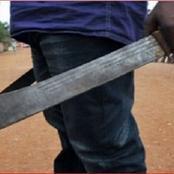 Côte d'Ivoire : des parents d'élèves armés de machettes prennent en otage un lycée
