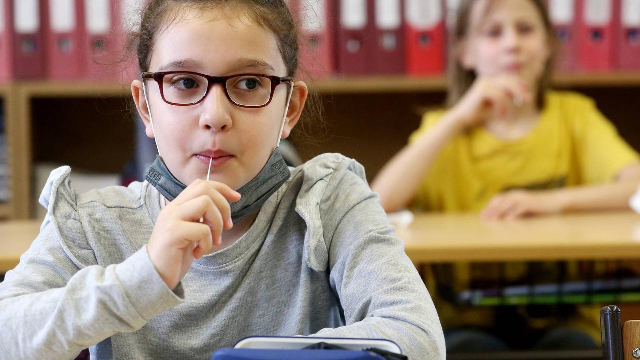 Tests statt Absonderung: Das sind die neuen Quarantäne-Regeln für Kitas und Schulen im Saarland