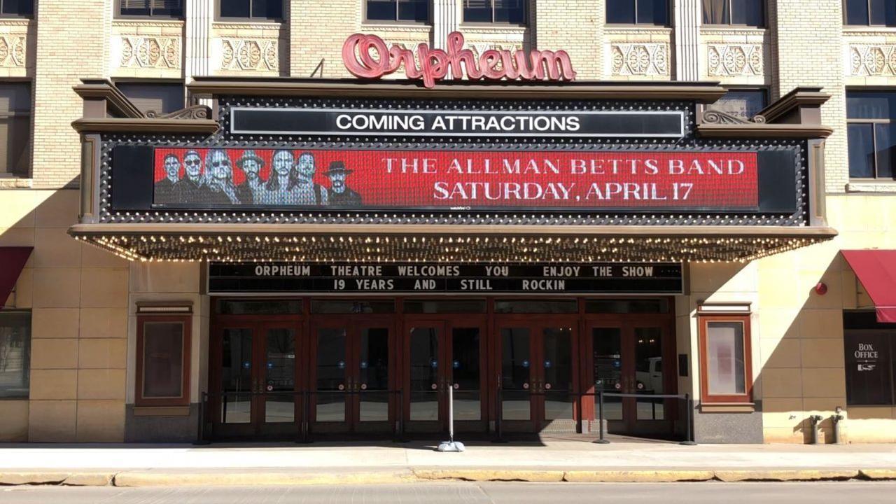 """Sioux Empire Community Theatre presents: """"The Odd Couple"""""""