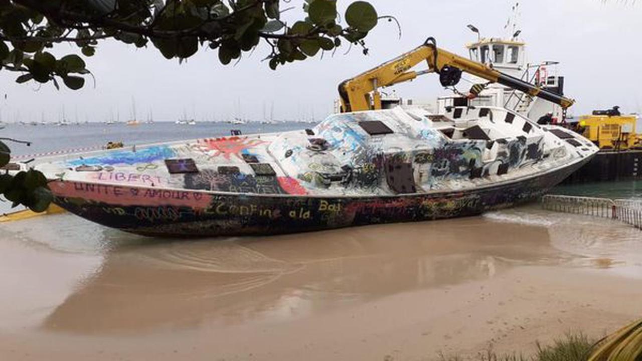 L'épave de la Pointe-Marin à Sainte-Anne sera découpée sur place