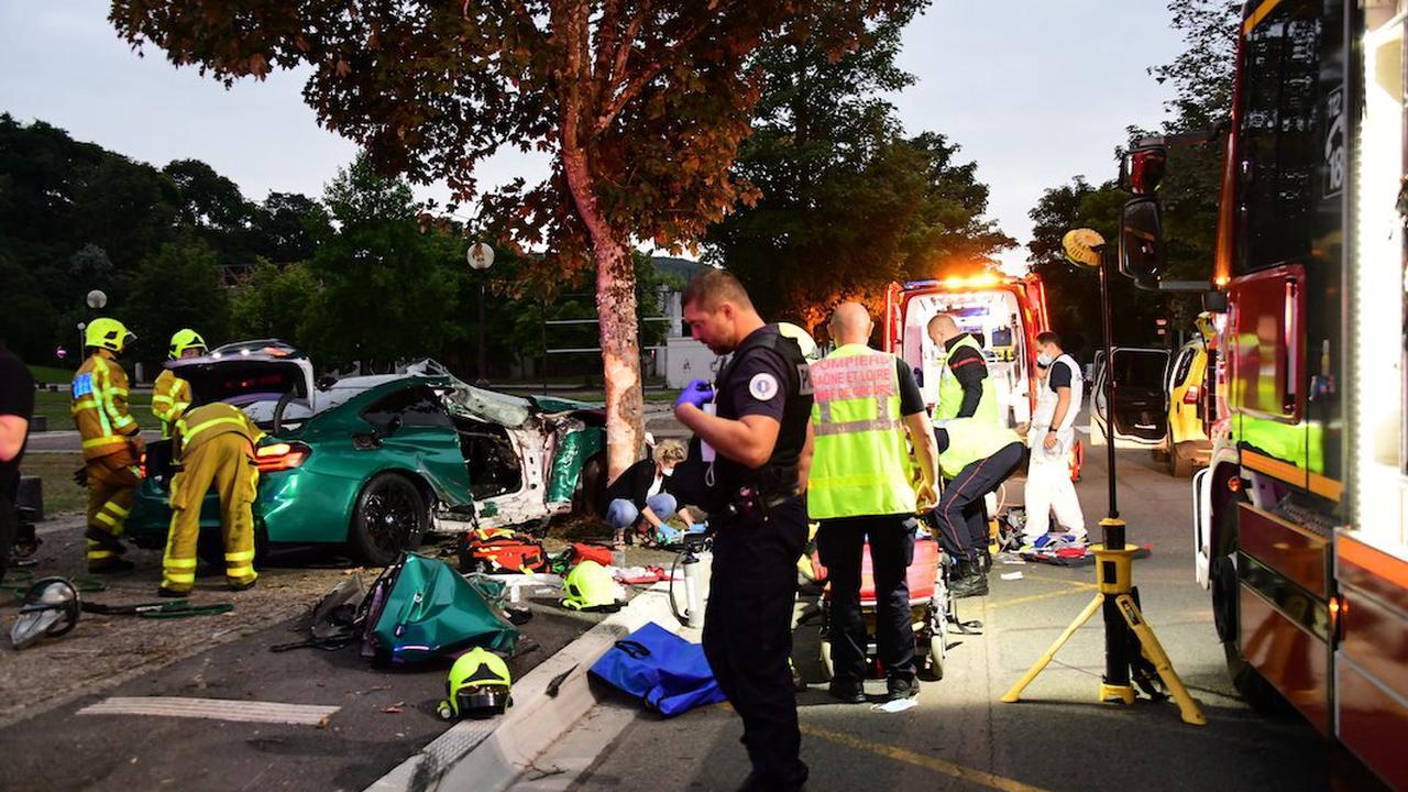 LE CREUSOT: 2 blessés dont 1 grave, en urgence absolue, dans une voiture enroulée contre un arbre