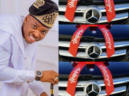 Jubilation as Woli Agba gifts 3 ipm members brand new cars. The beneficiaries are seen below: