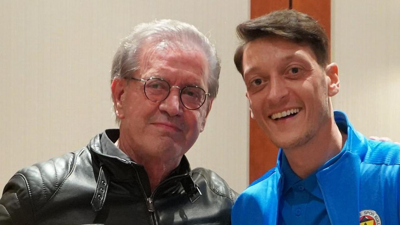 "Özil überrascht: ""Am 26. September wähle ich Team Todenhöfer!"""