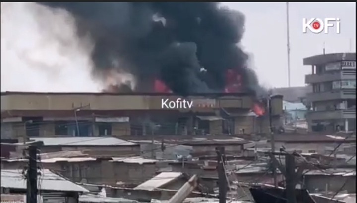 52dab89aba124ea4b7cd447b4013c1f9?quality=uhq&resize=720 - Sad: Fire Razes Three-Storey Building At Aboabo Station & A Market Behind KNUST