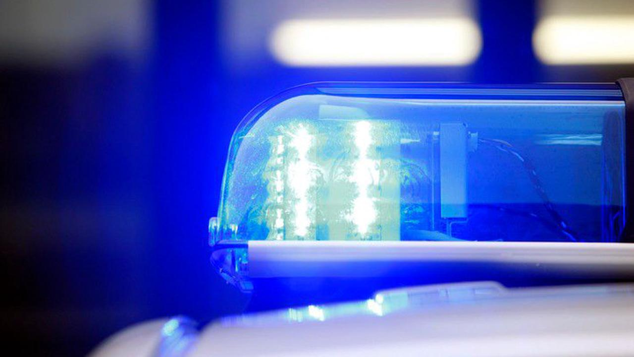 POL-ME: Auseinandersetzung eskaliert - Unbekannter schießt mit Schreckschusswaffe - die Polizei ermittelt - Velbert - 2108004