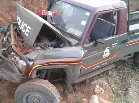 Early Morning Tears After A Police Vehicle Carrying 6 officers is Involved in A Nasty Road Accident