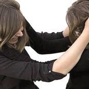 قصة.. رأت زوجة أخيها في محل البقالة تفعل هذا الأمر الصادم وعندما واجهتها انهالت عليها بالضرب