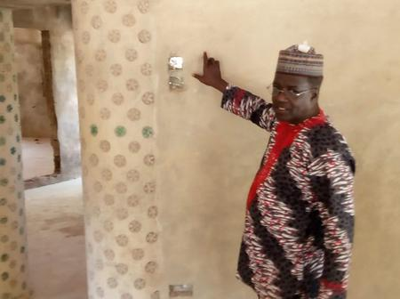Nigerian Man builds House with 14,800 plastic bottles