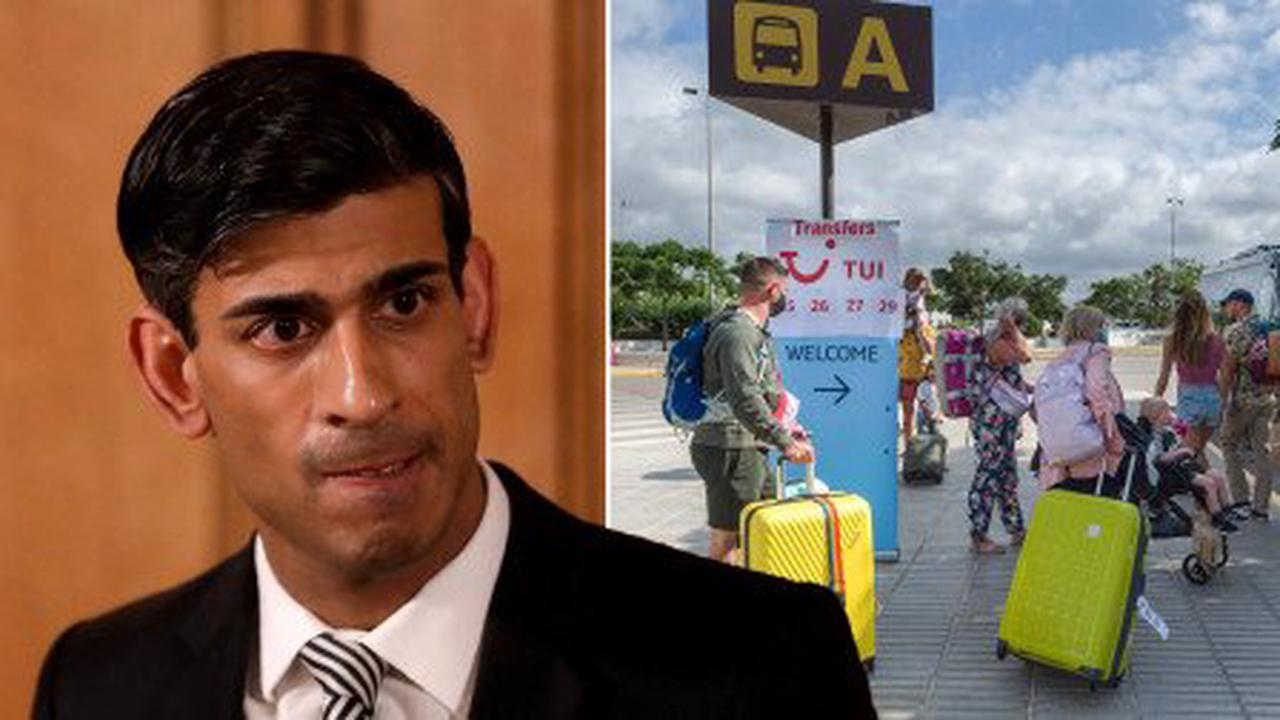 Rishi Sunak 'pushing for holiday restrictions to be dropped' despite Covid fears