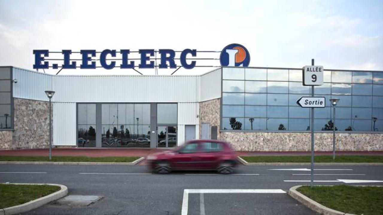 Le patron du Leclerc ferme le magasin en pleine après-midi et emmène ses employés faire la fête
