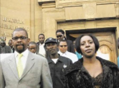 Dali Mpofu might be all busy but he is inlove, Meet his beautiful wife
